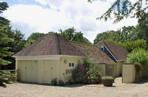 Last Minute Cottages - Excellent Burley Cottage S14076