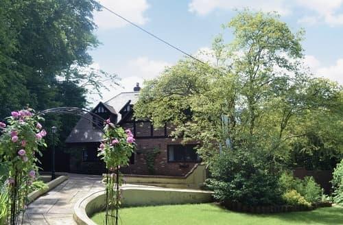 Last Minute Cottages - Tasteful Southampton Cottage S14154