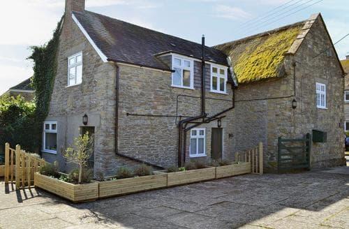 Last Minute Cottages - Attractive Bridport Cottage S19693
