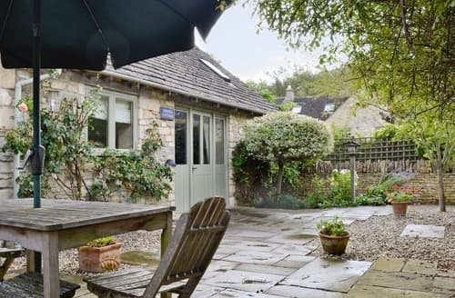 Last Minute Cottages - Wonderful Bourton On The Water Cottage S16084