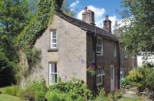Dog Friendly Cottages - Attractive Edale Cottage S16567
