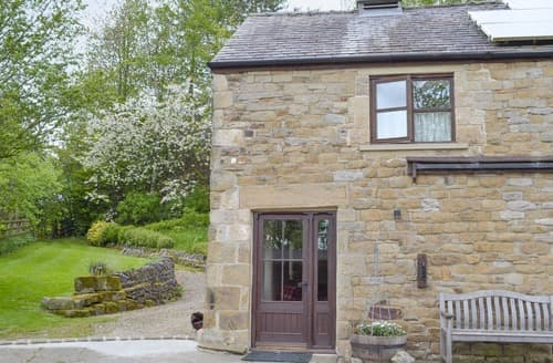 Last Minute Cottages - Cosy Hope Valley Cottage S16593