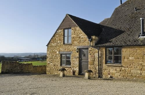 Last Minute Cottages - Superb Chipping Campden Cottage S24880