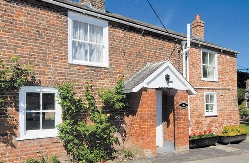 Last Minute Cottages - Lovely Skegness Cottage S15870