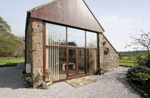 Last Minute Cottages - Cosy Leek Cottage S16031