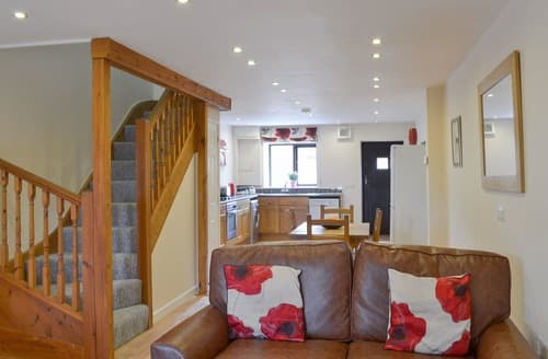 Last Minute Cottages - Captivating Frome Lodge S20132