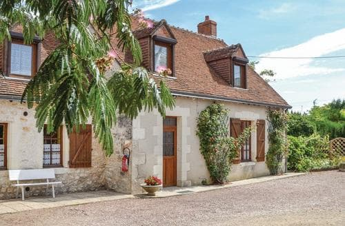 Last Minute Cottages - La Maison Rouge