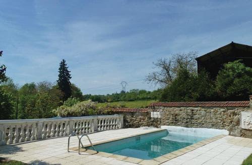 Last Minute Cottages - Le Noyer