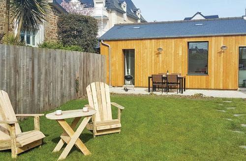 Last Minute Cottages - Le Chalet en Bois