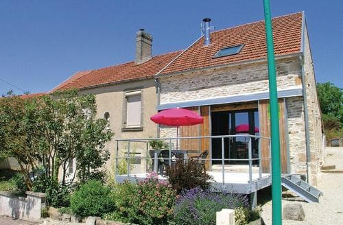 Last Minute Cottages - Verseilles le Bas