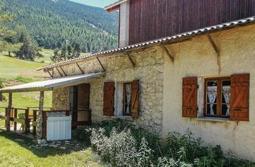 Last Minute Cottages - Vue Montagne