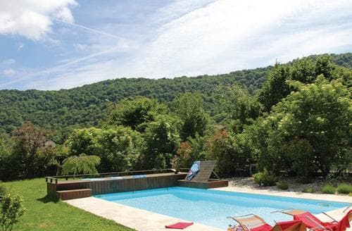 Last Minute Cottages - St Etienne de Crossey