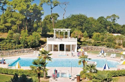 Last Minute Cottages - Le Chateau d'Olonne 3