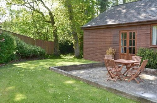 Last Minute Cottages - Wonderful Newton Abbot Cottage S19357