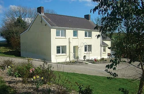 Big Cottages - Quaint Carmarthen Cottage S21639