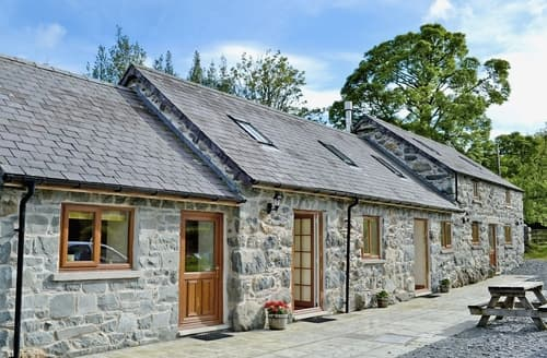 Big Cottages - Charming Bala Cottage S22119
