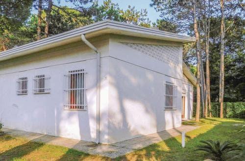 Last Minute Cottages - Villa Beethoven
