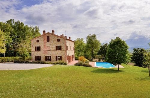 Big Cottages - Wonderful Marche Countryside Cottage S120492