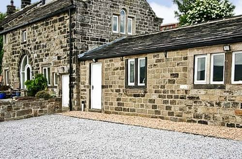 Big Cottages - Captivating Todmorden Farm S3499
