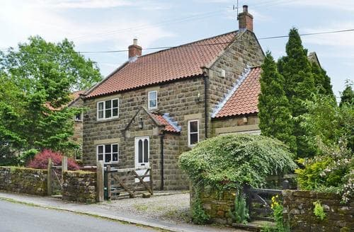 Dog Friendly Cottages - Stunning Rosedale Abbey Cottage S15392