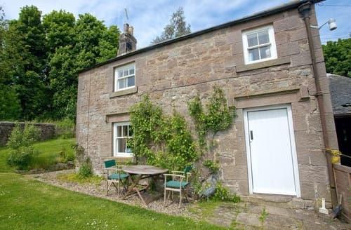 Last Minute Cottages - Adorable Craster Lodge S14519