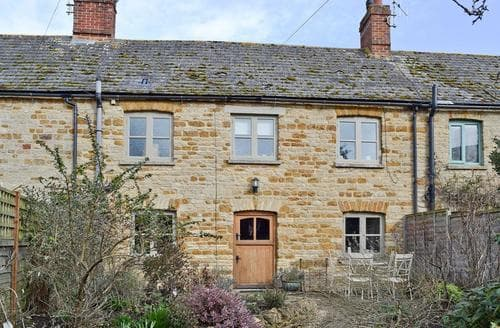 Last Minute Cottages - Tasteful Chipping Norton Cottage S15681