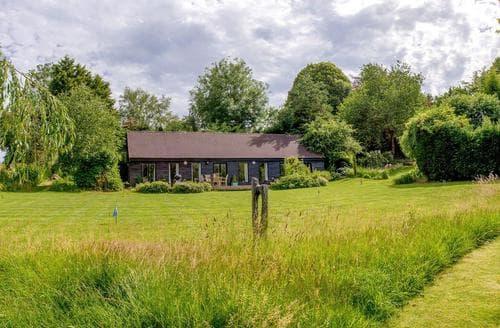 Big Cottages - Tasteful Cheltenham Cottage S16131