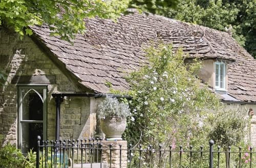Last Minute Cottages - Quaint Stroud Lodge S16322