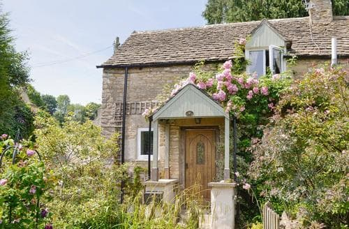 Last Minute Cottages - Adorable Stroud Cottage S16324