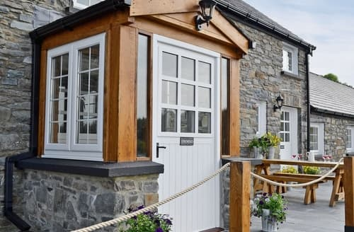 Big Cottages - Wonderful Tregaron And The Cambrian Mountains Cottage S37660