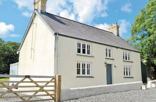Big Cottages - Delightful Fishguard Cottage S38662