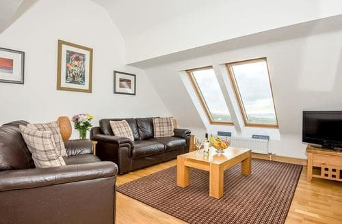 Dog Friendly Cottages - Adorable Holyhead And Trearddur Bay Cottage S42160