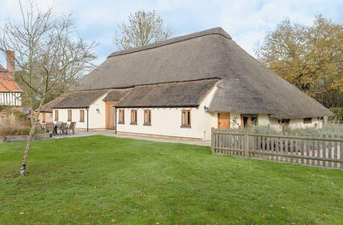 Last Minute Cottages - The Thatched Barn