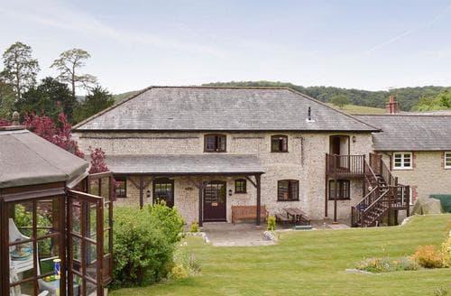 Last Minute Cottages - Charming East Meon Cottage S14088