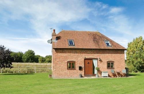 Last Minute Cottages - Exquisite Arundel Lodge S13783