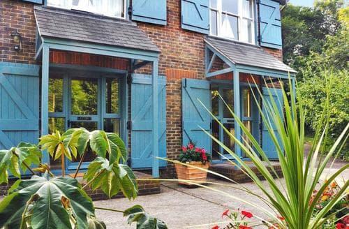 Last Minute Cottages - Luxury Uckfield Cottage S14034