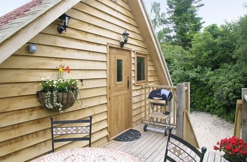 Last Minute Cottages - The Hide Away