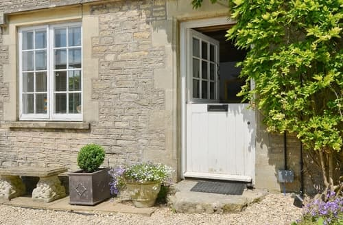 Last Minute Cottages - Adorable Bath Cottage S20003