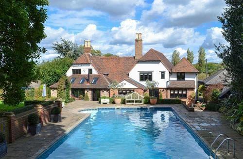 Last Minute Cottages - Cosy Tunbridge Wells Cottage S13659