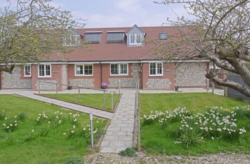 Last Minute Cottages - Lovely Bognor Regis Cottage S13868