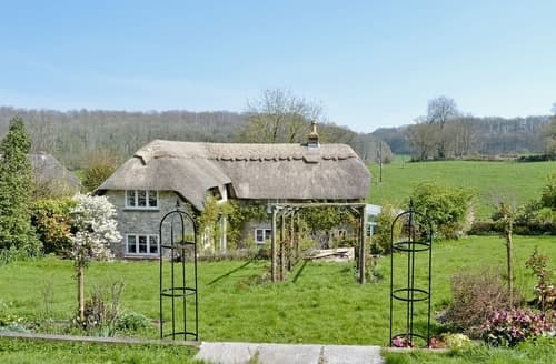 Last Minute Cottages - Lovely Warminster Cottage S37347