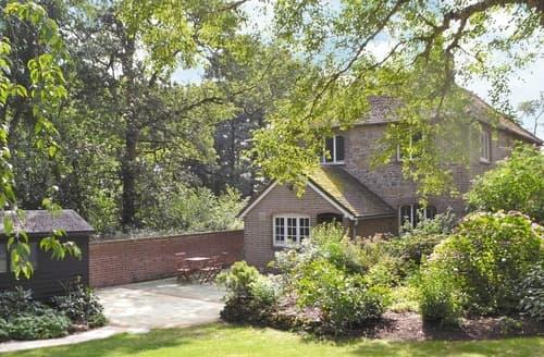 Dog Friendly Cottages - Wonderful All Surrey Cottage S40956