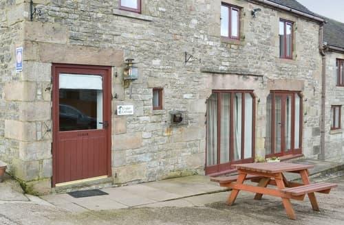 Dog Friendly Cottages - Captivating Leek Cottage S16006