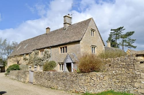 Last Minute Cottages - Gorgeous Bourton On The Water Cottage S16097