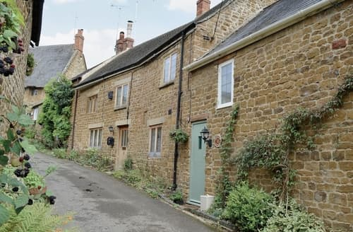 Last Minute Cottages - Excellent Banbury Lodge S24875