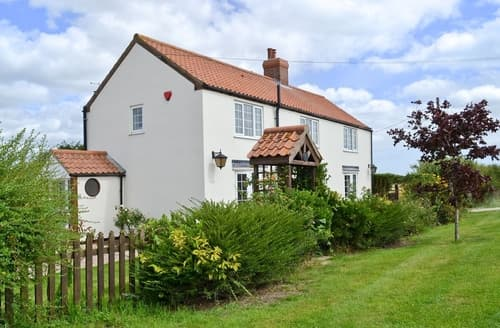 Last Minute Cottages - Attractive Mablethorpe Cottage S38154