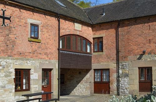 Last Minute Cottages - Tasteful Brassington Cottage S44010