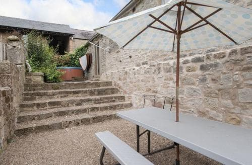 Last Minute Cottages - Inviting Bakewell Cottage S16460