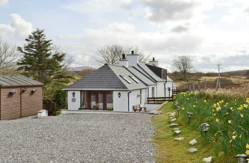 Last Minute Cottages - Superb Sligachan Cottage S22537