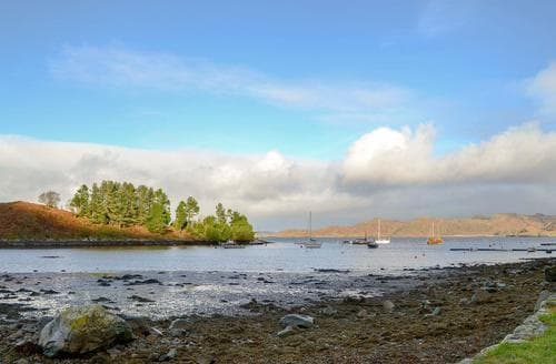 Dog Friendly Cottages - Inviting Lochgilphead Cottage S23077